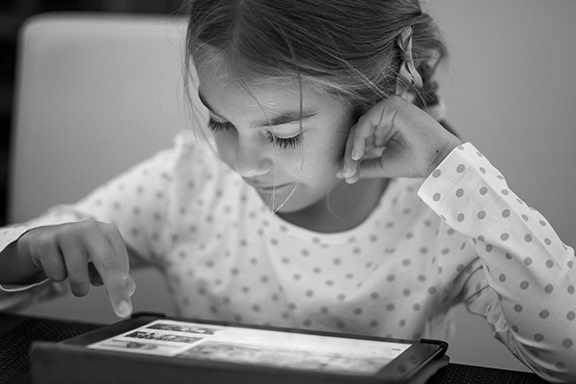 Girl ipad 18bw.jpg